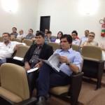 Poucas pessoas prestigiaram a reunião, como os vereadores Tomaz Neto e Genivan Vale (Foto: extraída do Twitter)
