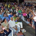 Rosalba discursa em reunião no Sítio Cantópolis esta semana; perfil do público com poucos jovens mostra fadiga e distância do novo (Foto: cedida)