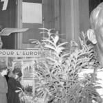 O busto de Hitler foi exposto ao público durante a Ocupação em Paris (Foto: Getty Imagens)