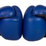 luvas-de-boxe-suspensas_79075-3043