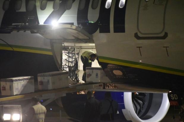 Desembarque aconteceu à madrugada dessa quarta-feira em São Gonçalo do Amarante (Foto: Elisa Elsie)
