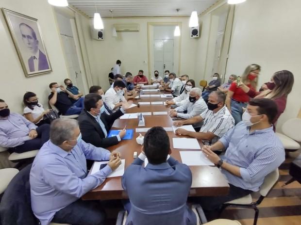 Audiência ocorreu nessa terça-feira, reunindo setores público, institucional e privado (Foto: Célio Duarte)