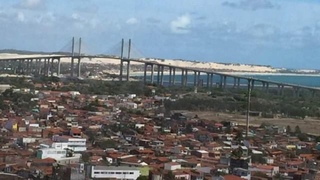 Praia do Meio, Ponte Newton Navarro