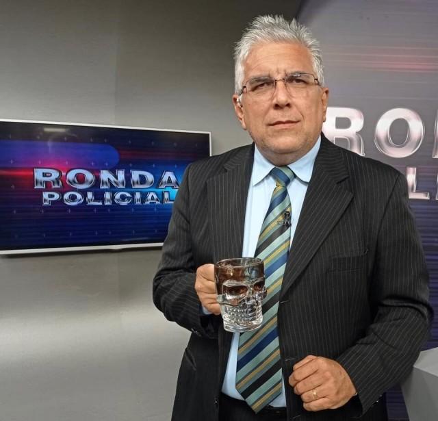 Francileno Góis foi inicialmente internado no Hospital Regional de Caraúbas, mas morreu em Pau dos Ferros (Foto: rede social)