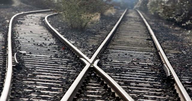 Mudança de rumo, trilhos, linhas férreas, mudança de direção, entroncamento ferroviário