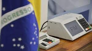urna, eleições, bandeira do brasil, democracia no brasil