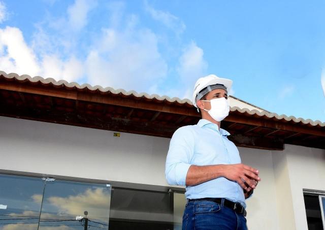 Prefeito Allyson é autor de artigo que faz um balanço de atividades do início de gestão (Foto: Célio Duarte)