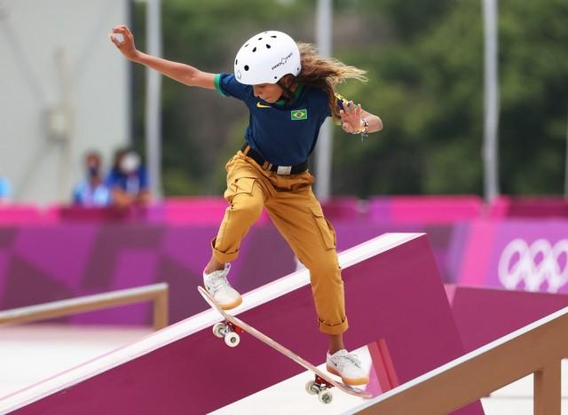 Rayssa Leal faz uma manobra na final (Foto: Ezra Shaw-Getty Images)