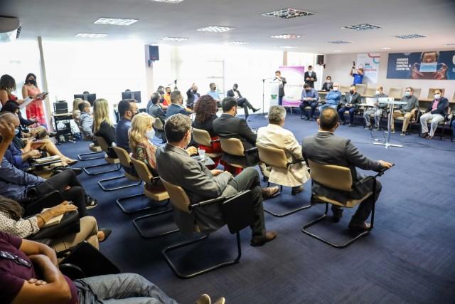 Câmara Setorial dos Microempresários e Empresas de Pequeno Porte teve participação de setores organizados do empresariado (Foto: Sandro Menezes)