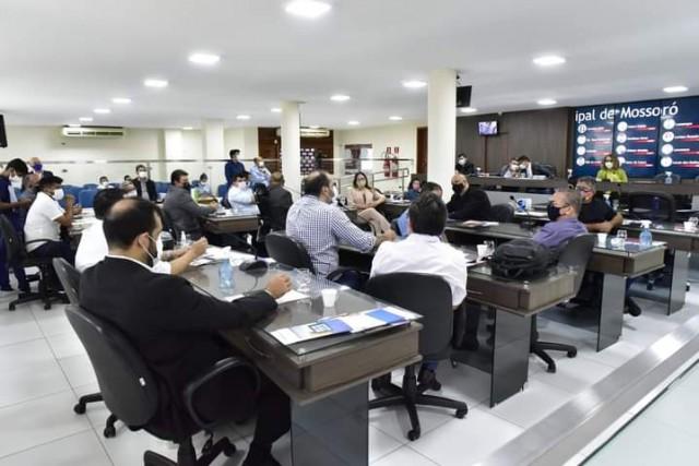 Frente Parlamentar reuniu representantes da política e do segmento produtivo e de serviços (Foto: Edilberto Barros)