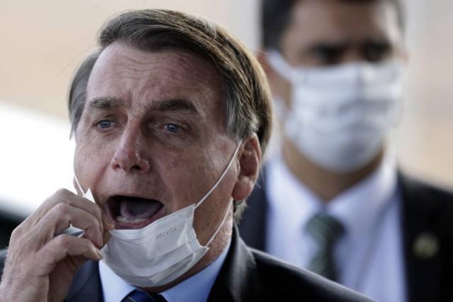 Presidente, sempre irritadiço, tem conseguido puxar debate para pauta caricata e muitos caem no truque (Foto: arquivo)
