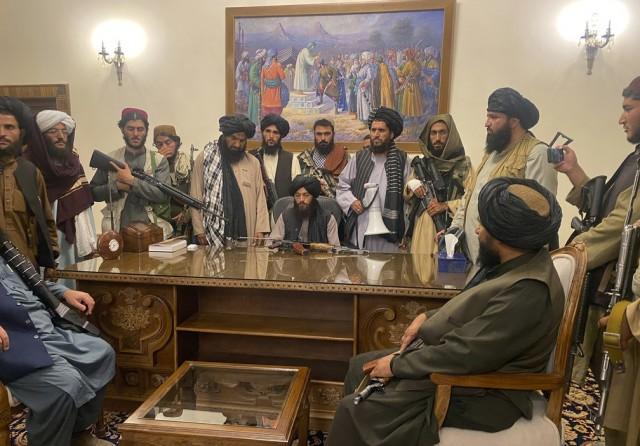 Talibã assumiu poder absoluto no Afeganistão (Foto: Foto: Zabi Karimi/AP)