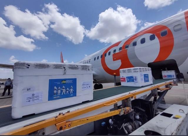Nova remessa chegou à manhã desse sábado ao RIo Grande do Norte (Foto: Secom/RN)