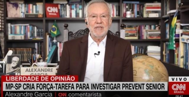 O jornalista comentava as denúncias contra a Prevent Sênior. (Imagem: Reprodução/ CNN Brasil).