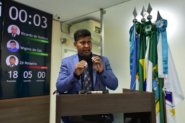 Genilson Alves mostrou drama que se multiplica diariamente sem contrapartida do Estado (Foto: Edilberto Barros)