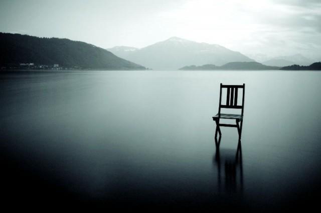 Silêncio, cadeira, mansisão, vazio, calma, paz, enigma,
