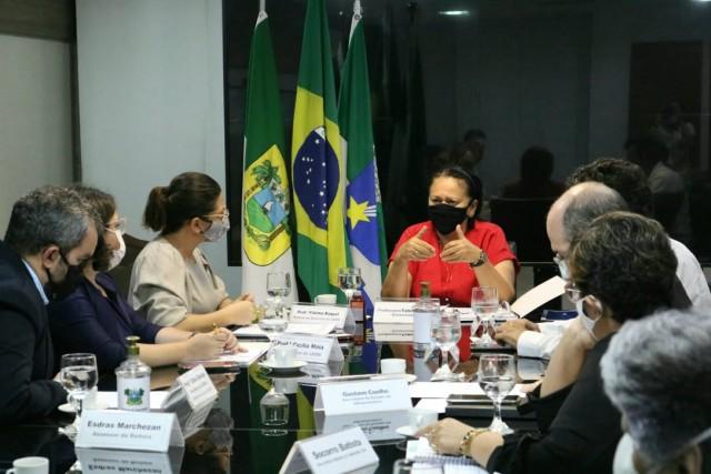 Fátima recebeu representantes da Uern para avançar em aspirações dos segmentos (Foto: divulgação)